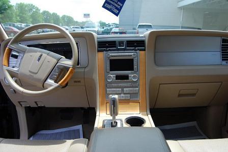 Lincoln Navigator 2011 -4
